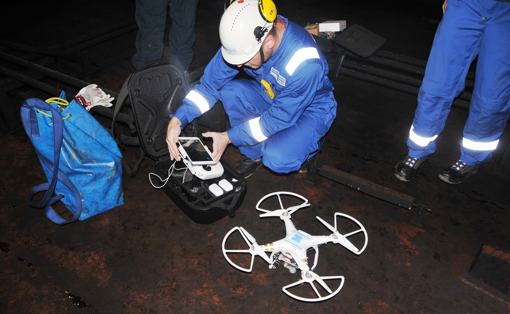 The DNV GL team during tests with drones inside a tanker. Photos: Credit DNV GL