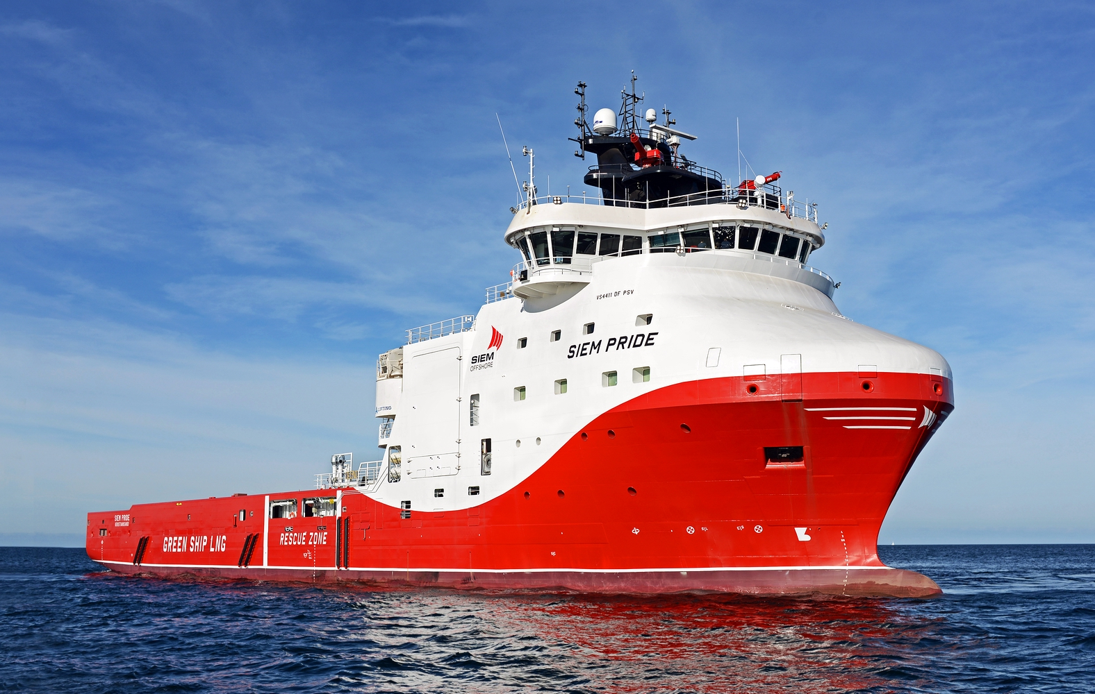 Polish-built LNG-powered PSV Siem Pride in operation