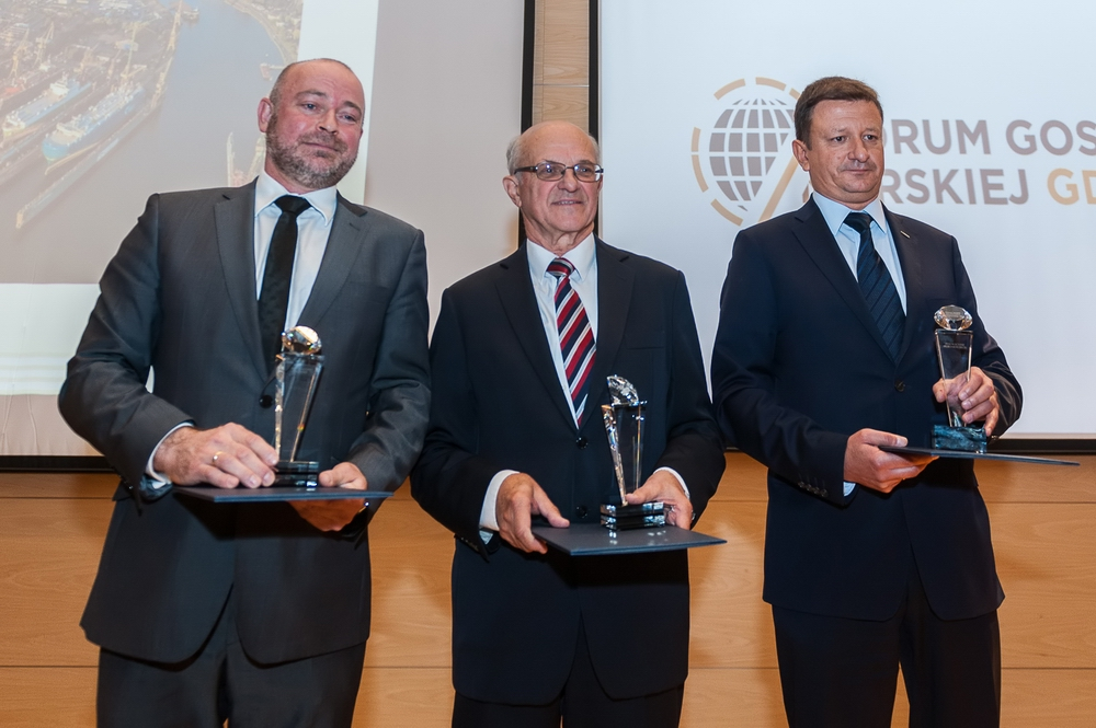 """Innovative Maritime Economy"" 2015 awards handed over"