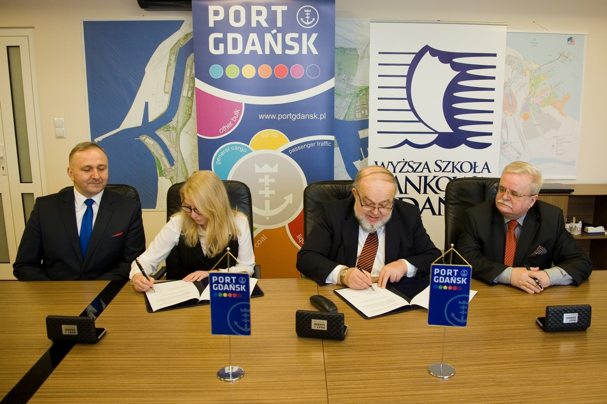 The Port of Gdansk cooperates with WSB University in Gdansk