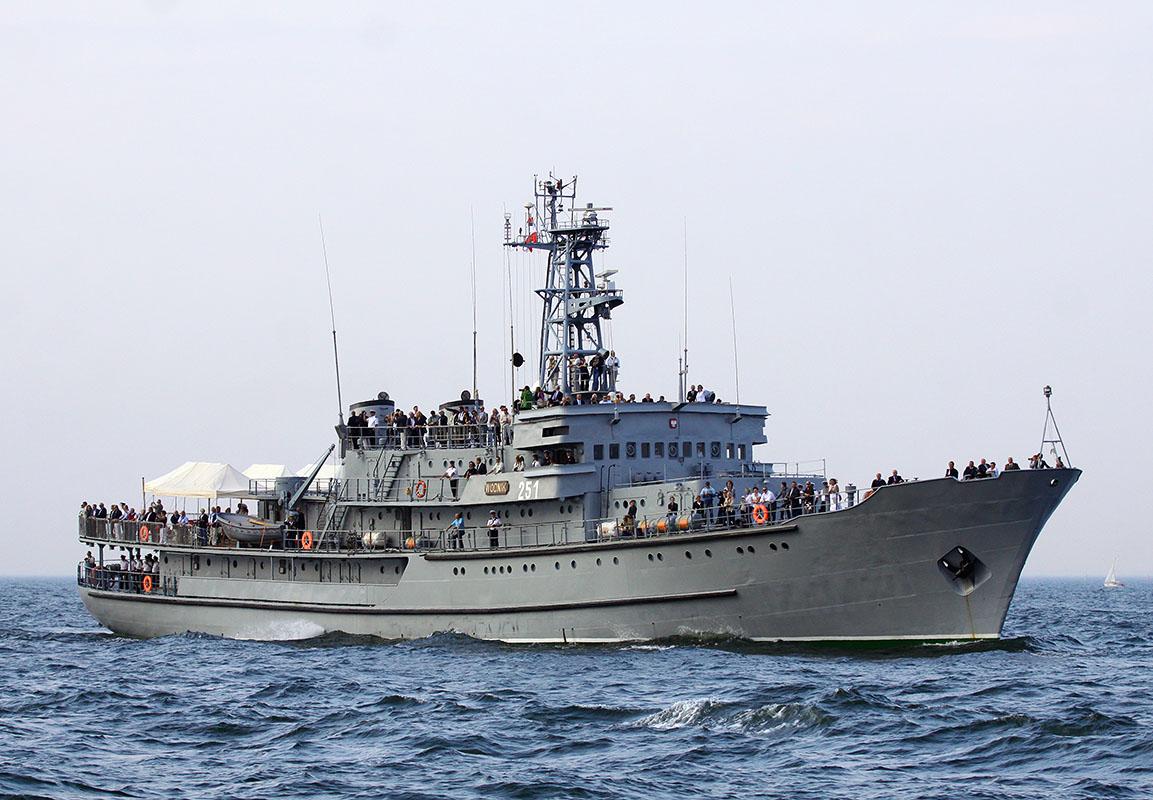 Ukrainian Navy cadets in two month training onboard Polish ship Wodnik