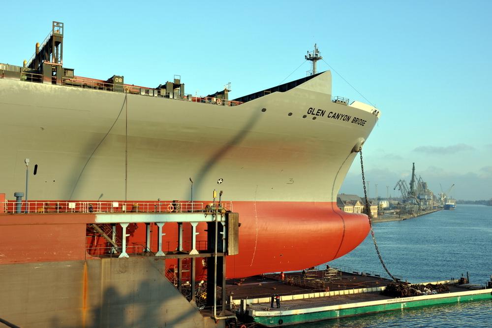 The giant box ship in the dock largest dock of Remontowa SA. Photo: Jerzy Uklejewski