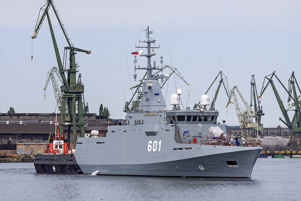 MCV, TBN ORP Kormoran, departing for sea trials