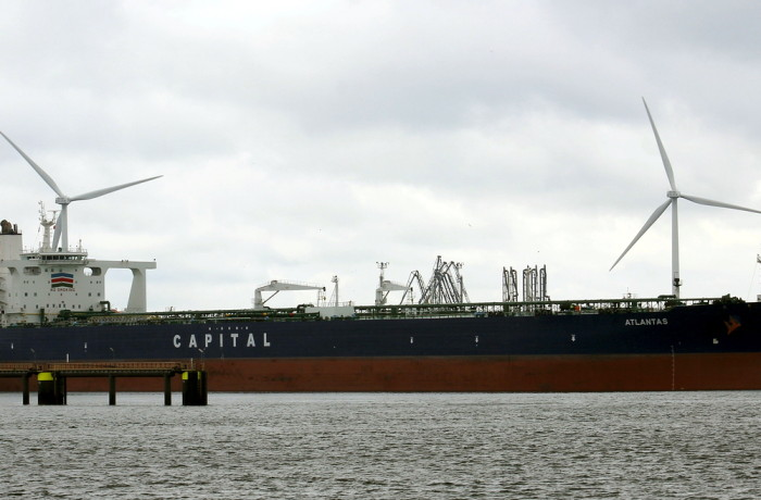The Atalantas VLCC, the largest tanker to have ever called at Naftoport in Gdańsk. Photo: Krijn Hamelink
