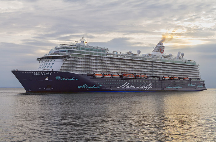 Mein Schiff 5 entering the Port of Gdynia on July 8, 2016. Photo: Piotr B. Stareńczak