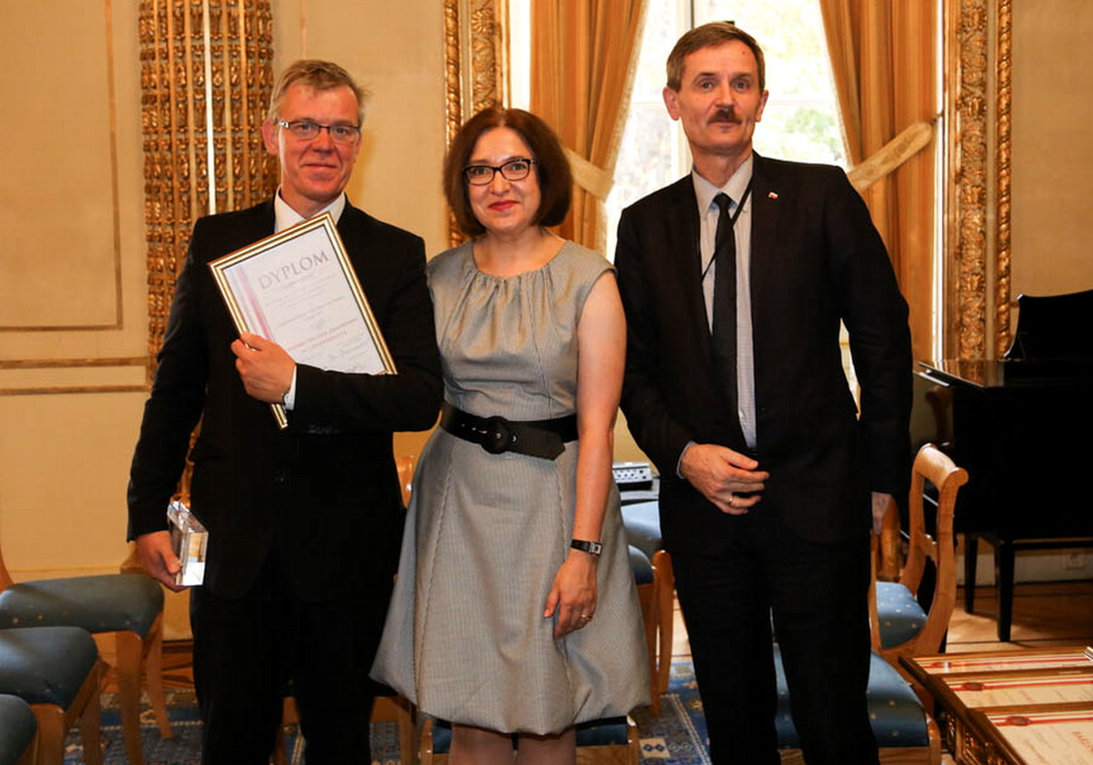 From the left: Piotr Kubicz, (Remontowa SA), Katarzyna Kuza, Head of Trade and Investment of the Polish Embassy and Mr Dariusz Wiśniewski, Chargé d'affaires
