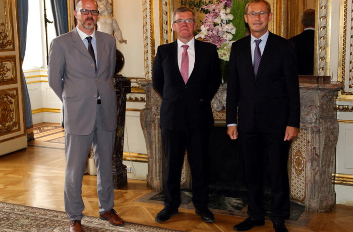 Piotr Kubicz with Mikael Le Vourch, CEO of Britanny Ferries (first on the left) and Eric Derrien, CEO of Genavir.