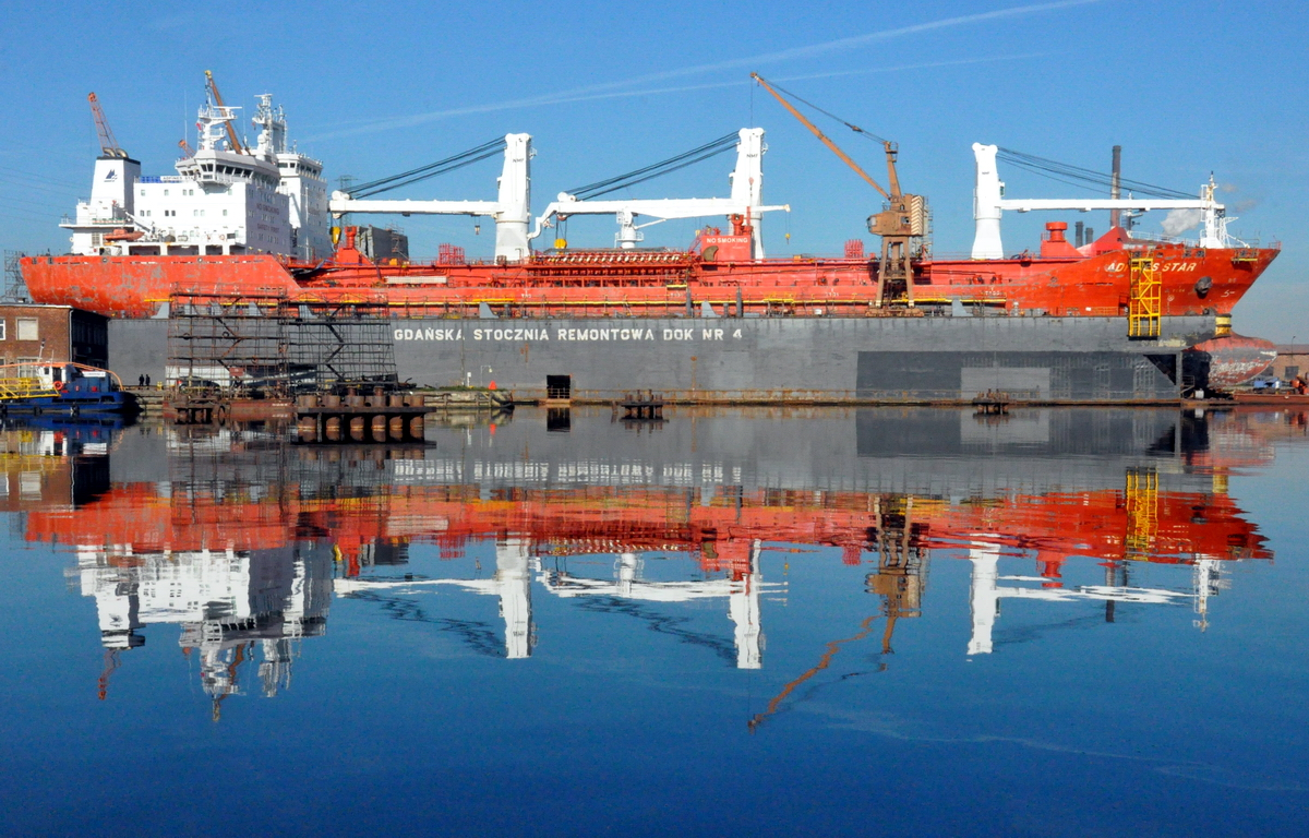 Twin tankers in Gdansk for class renewal