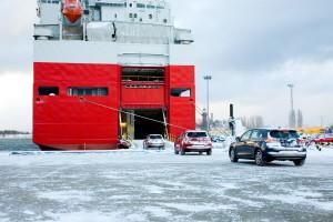 Hyundai cars entering the vessel through its stern ramp. Photo G. Mierkiewicz / Port of Gdansk