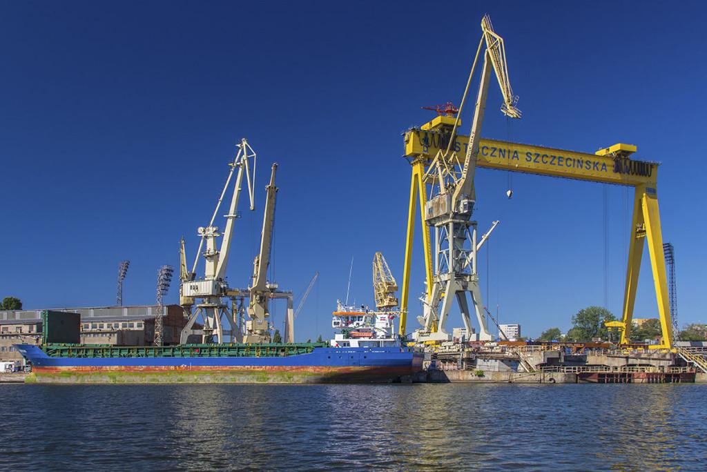 Part of Szczecin Industrial Park - former facilities of the Szczecin Shipyard, now again named so. Photo: Piotr B. Stareńczak