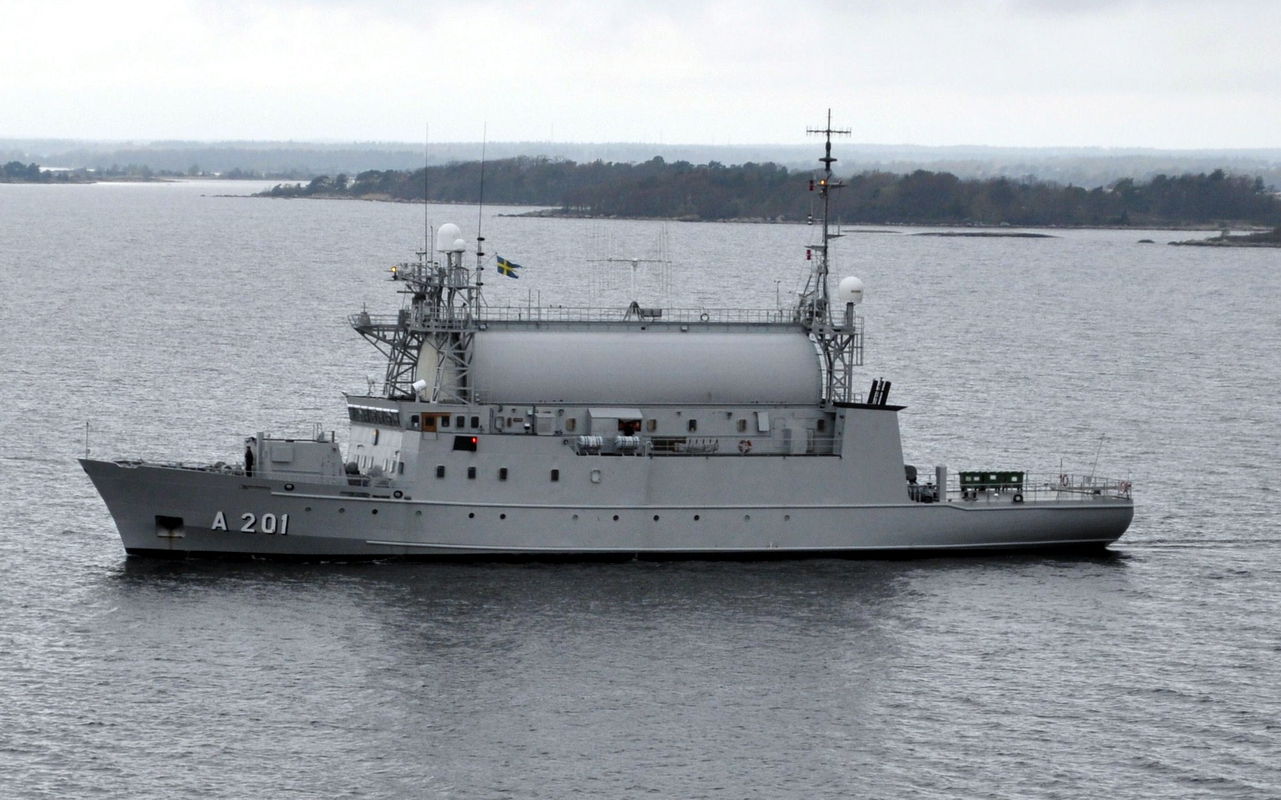 HMS ORION (on the picture) launched in 1984, will be replaced by a modern SIGINT vessel by 2020. Photo: Wikipedia Commons