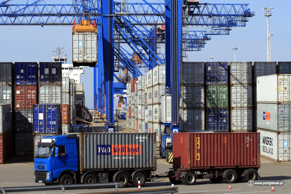 Over 80 million tons of cargo handled in Polish sea ports