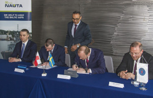 Signing the agreement at the Nauta Shiprepair Yard in Gdynia, on 26 April. 2017. Photo: Piotr Stareńczak