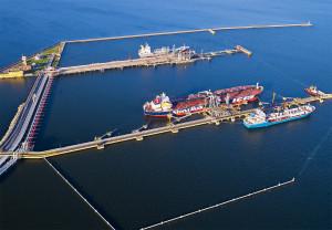 Oil and product terminal in Gdansk. Photo Kacper Kowalski / www.portgdansk.pl