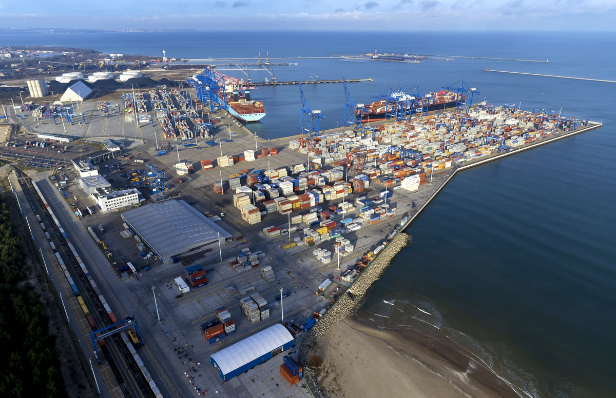 DCT Gdansk has largely contributed to the transshipment results of the Port of Gdansk. Fot.aeromedial.pl