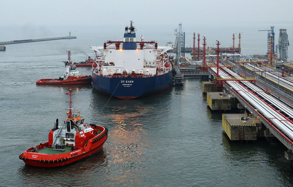 St. Helen at Naftoport oil terminal in the port of Gdansk with US origin cargo for Lotos.