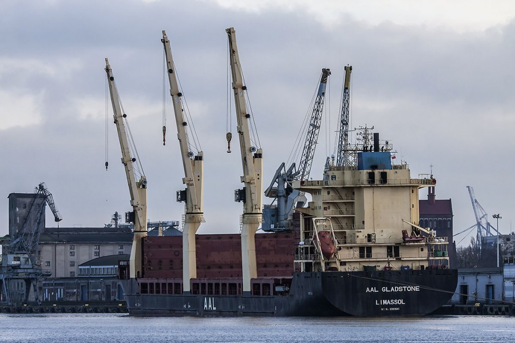 Ship loading 23 000 t of sugar for Sudan at Oliwskie quay recently