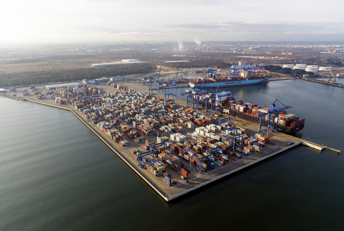 The Port of Gdansk among the best 100 container ports in the world