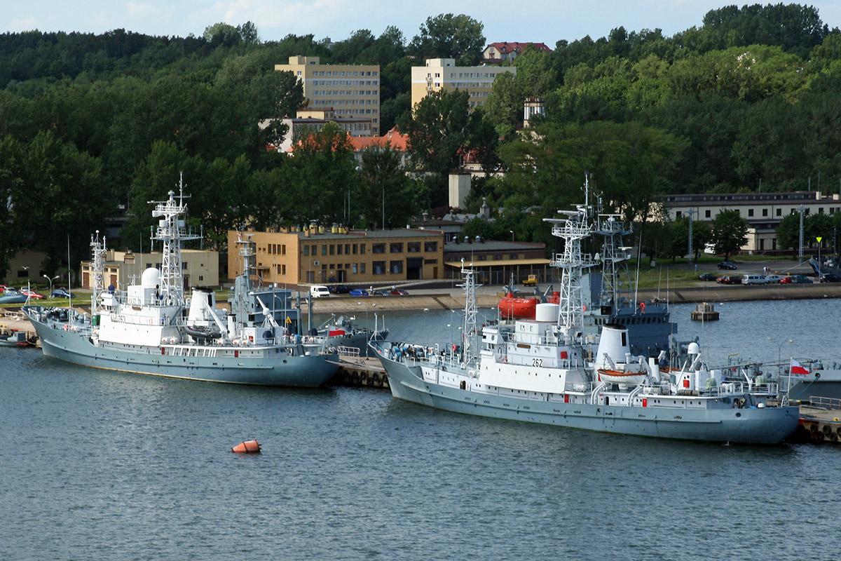 Remontowa SA to modernize naval intelligence vessels ORP Hydrograf and ORP Nawigator