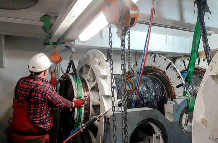 Protea: Reinforcement of winches on Wind Lift 1 Jack-up