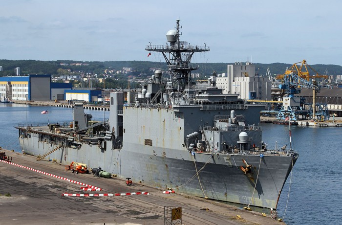 USS Oak Hill at the Polskie (Polish) Quay in the port of Gdynia. Photo: Piotr B. Stareńczak