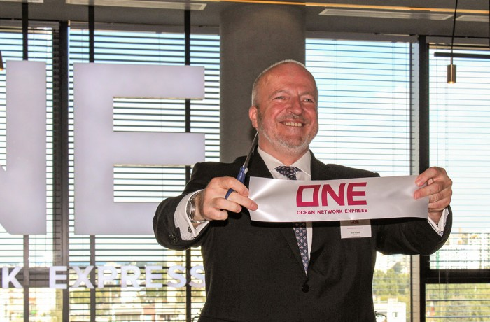 Reiner Zimbalski, director of the Central Service Center in Gdańsk, during the official opening.