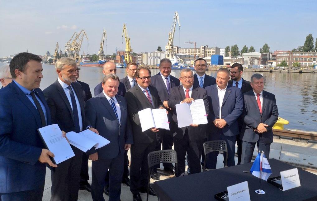 Agreements to improve rail access to ports in Szczecin and Świnoujście were signed