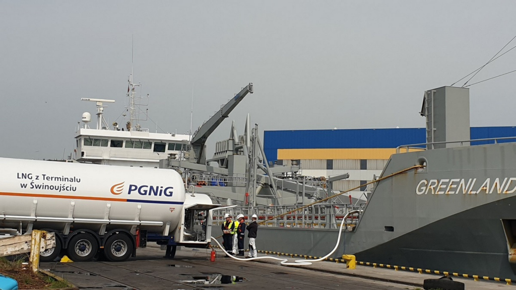 Port Gdynia LNG -bunkering of LNG