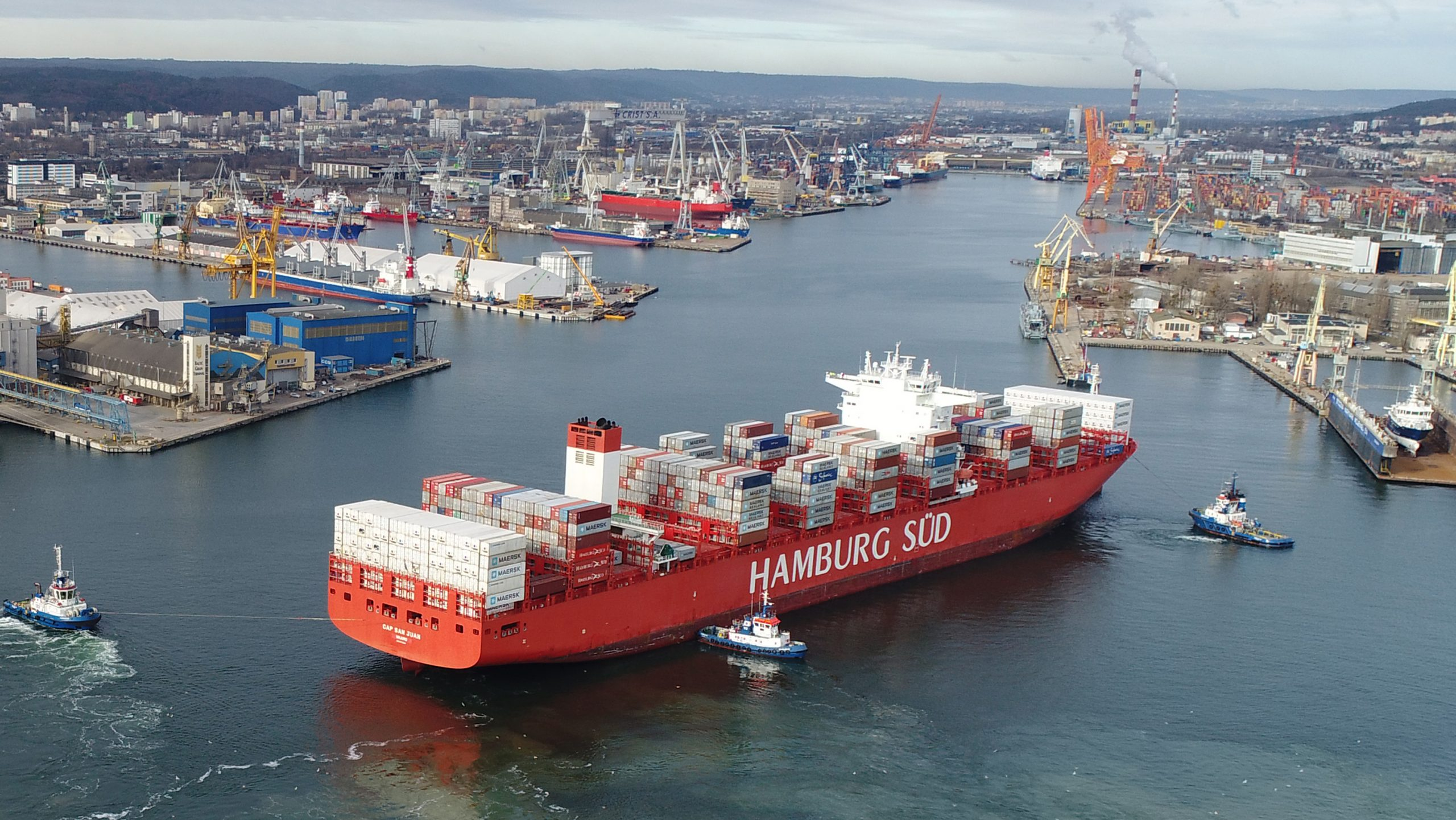 Port Gdynia extends the internal entrance to 140 m
