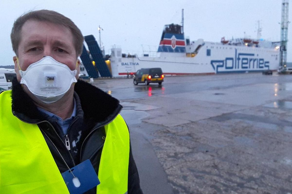 Polish ferry on a trip from Germany to Lithuania – the evacuation of Baltics' citizen stuck on the border