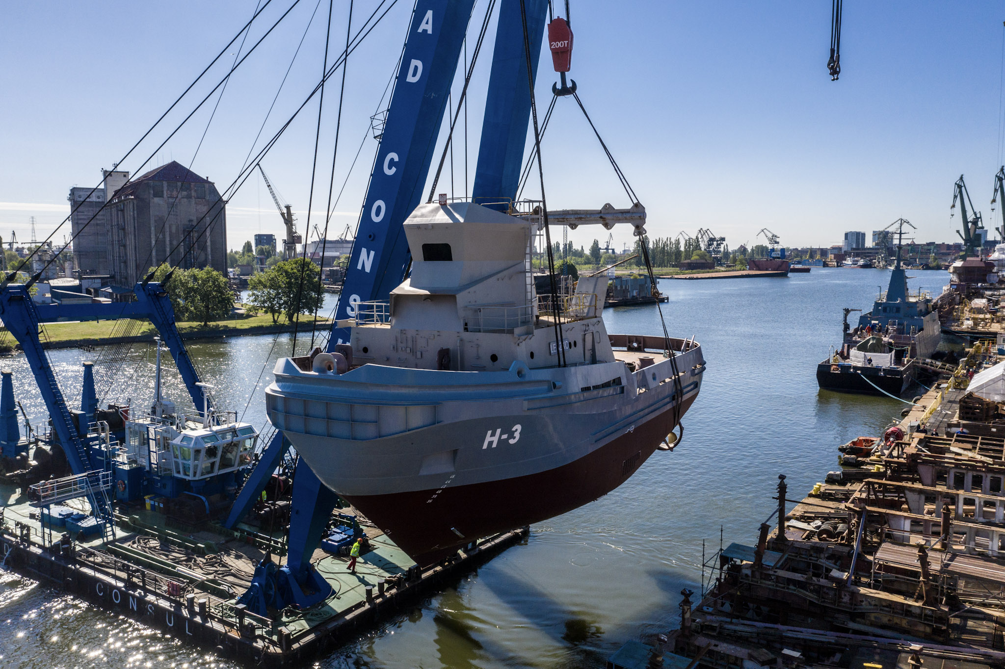Launching of H-3 tugboat Leszko for the Polish Navy