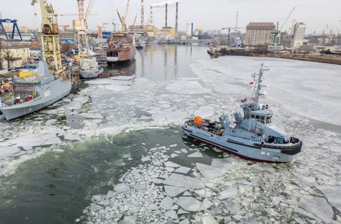 H-3 'Leszko' tug delivered to polish navy