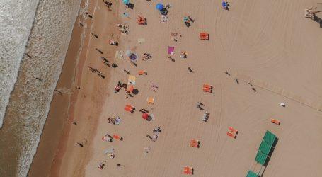 Catalan beaches 6-10 metres narrower every year