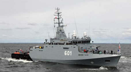 Cooperation of ORP Kormoran with Pakistani frigate