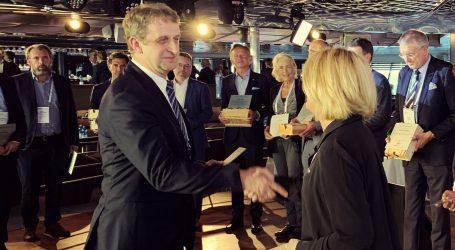 Remontowa Shipbuilding with Shippax Award for electric ferry Festøya