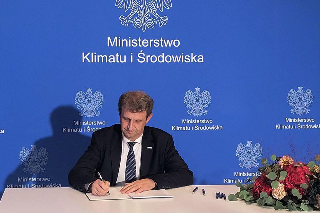 Dariusz Jaguszewski sector deal